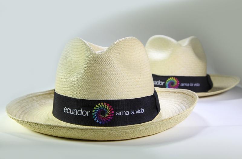a661c09cdad94 Saiba como é feita a palha do Chapéu Panamá no Equador