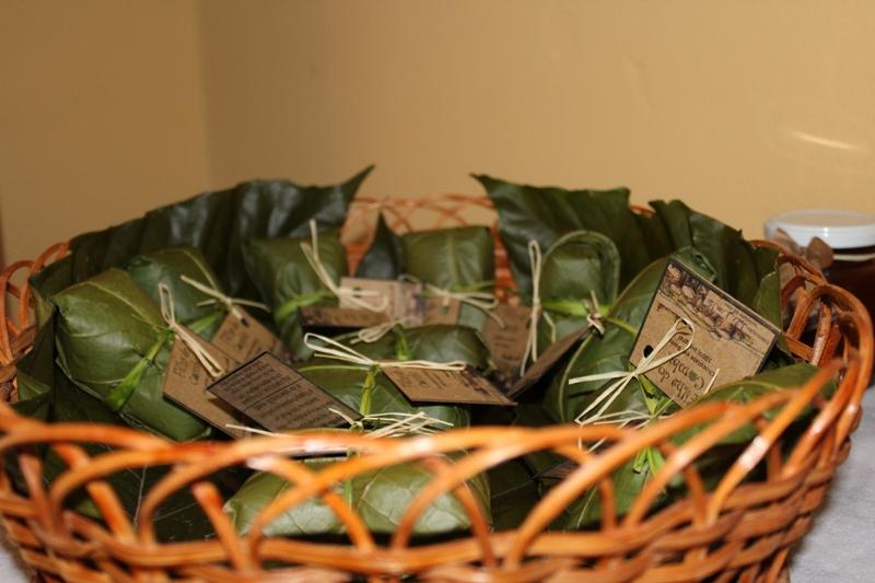 Chocolates embalados em folhas de bananeira / Crédito: Ana Elisa Teixeira
